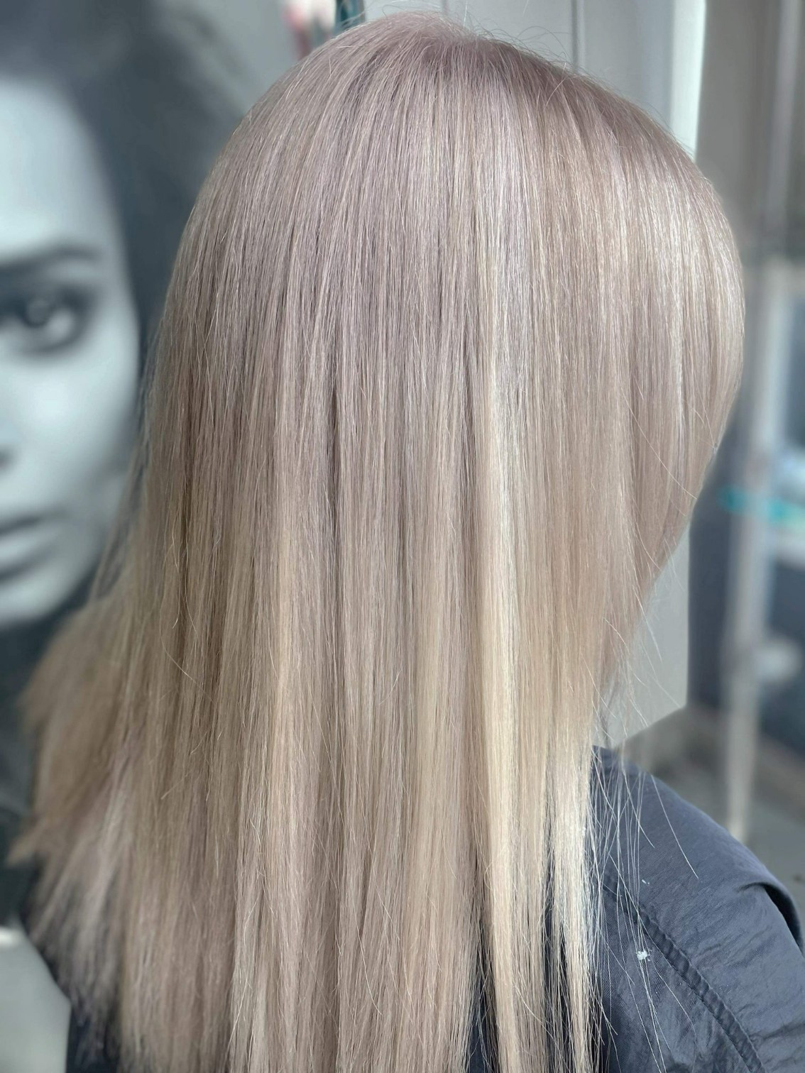 Ania Hair Salon_ long blonde